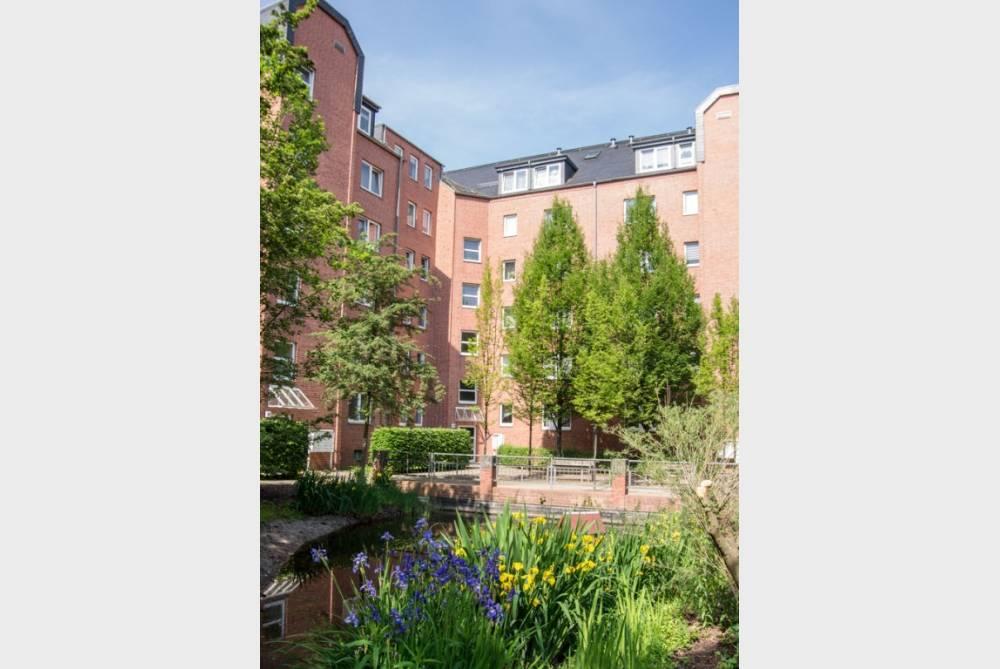Großzügige Wohnung mit Parkett, Balkon und Wohnküche